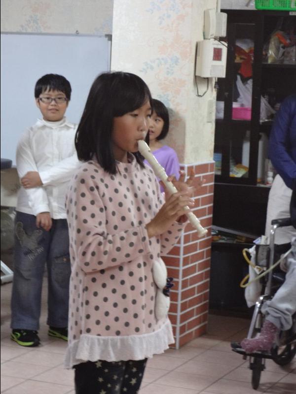珮琳的直笛個人秀.JPG